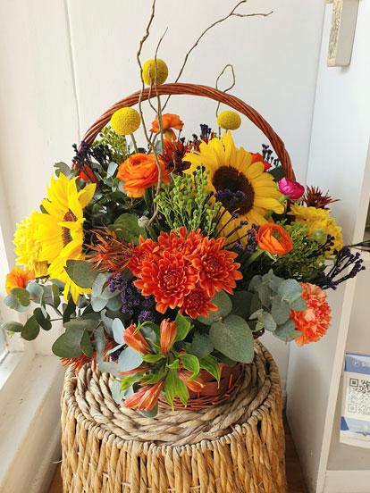 wooden-basket-flowers