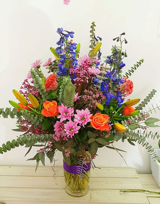 fine-flowers-over-the-rainbox-in-vase